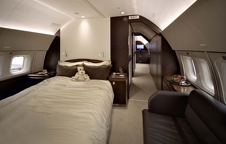 do private jets have beds?